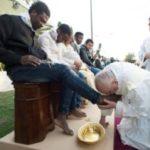 Pela terceira vez, Papa lavará os pés de detentos